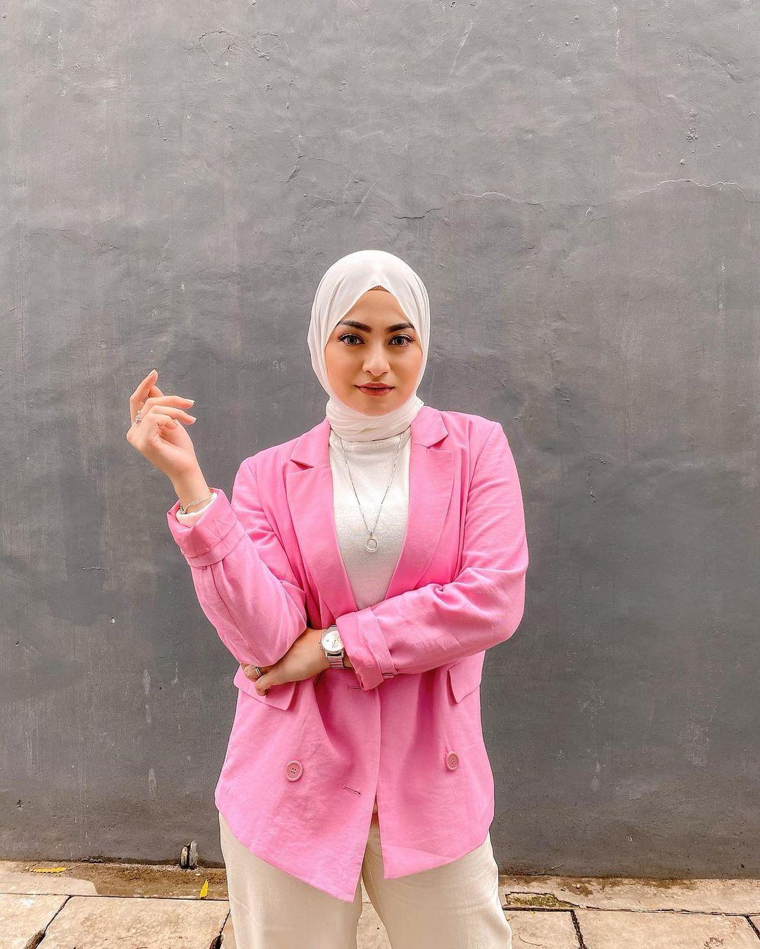 Deretan Gaya Artis Mualaf yang Putuskan Pakai Hijab, Menyejukkan Hati!