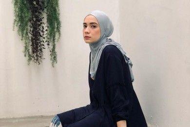 Deretan Gaya Artis Mualaf Putuskan Pakai Hijab, Menyejukkan Hati