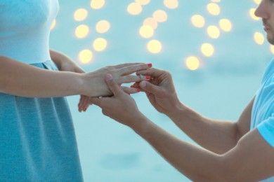 Dear Laki-laki, Ini 8 Ide Anti-Mainstream Melamar Pasangan