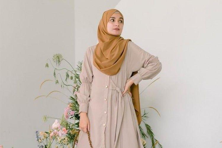 Tampil Modis di Bulan Ramadan, Intip Outfit Hijab a La Seleb Indonesia