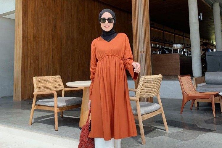 Inspirasi Padu-padan Baju Tunik untuk Cewek Hijabers