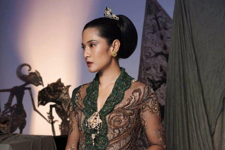 Sambut Hari Kartini, Intip Gaya Elegan Seleb Indonesia Pakai Kebaya
