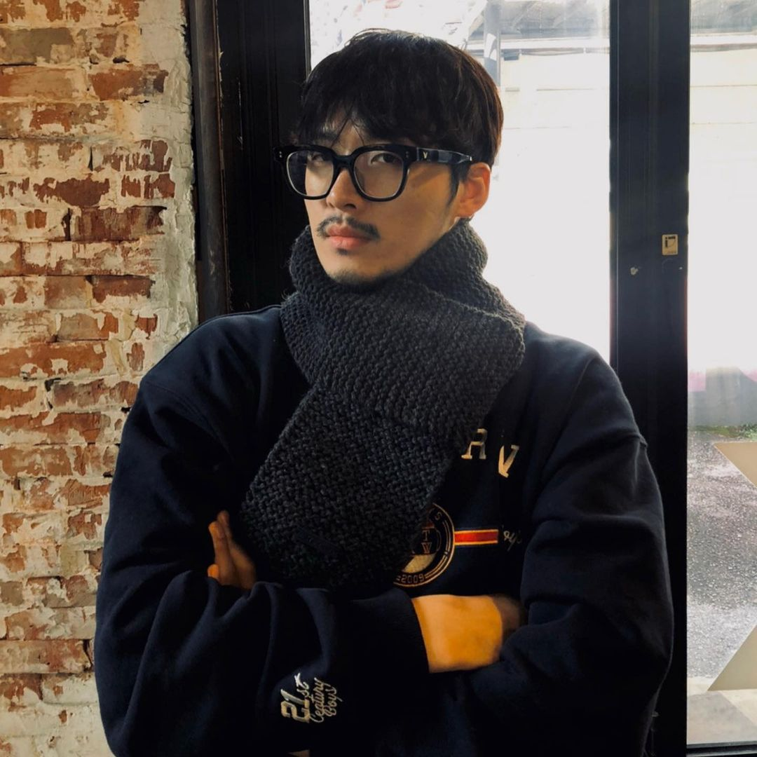 Jadi Biksu Ganteng di Drama 'Vincenzo', Ini 10 Fakta Kwon Seung Woo