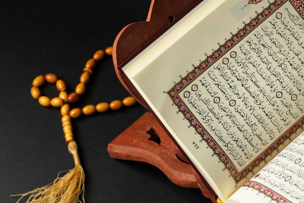 Umat Muslim Wajib Tahu, Ini 10 Adab Membaca Alquran
