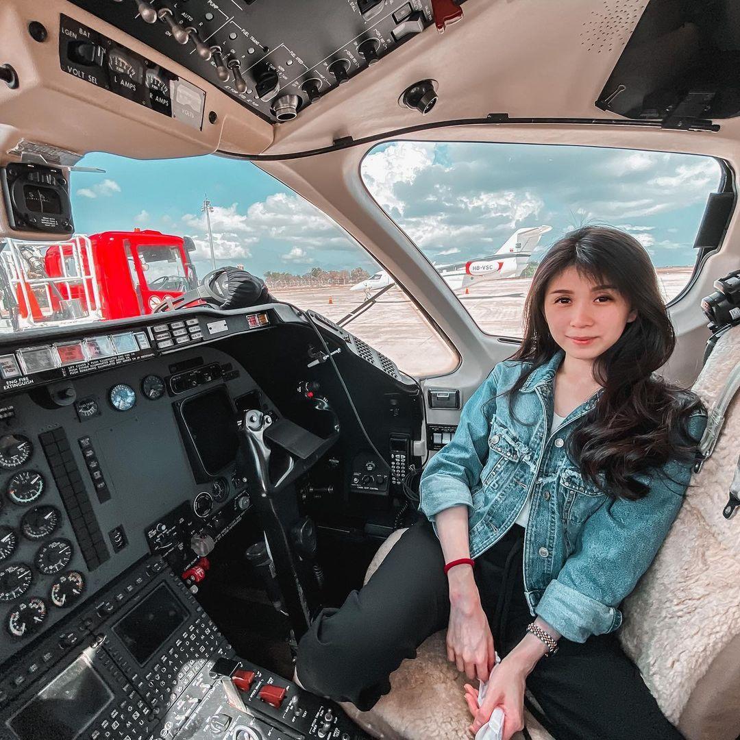 Gaya Novita Condro Istri Pilot VincentRaditya yang Tertuduh Selingkuh