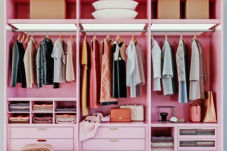 Cara Merapikan dan Membersihkan Isi Lemari Pakaian, Makin Rapi Deh!