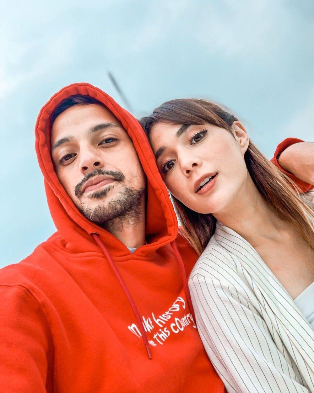 Tampak Serasi, 8 Pasangan Artis Ini Ternyata Beda Usia 11 Tahun