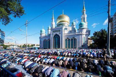 Unik & Menarik, Ini 7 Tradisi Puasa Ramadan di Berbagai Negara