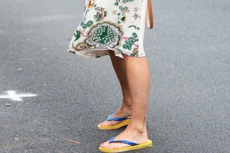 Tips Padu-padan Sandal untuk Tampil Modis di Musim Panas