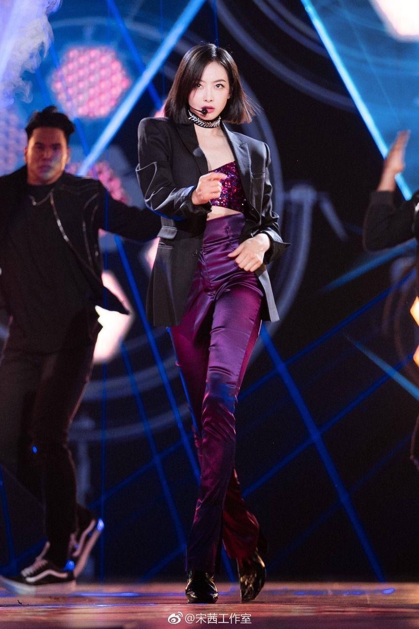 Deretan Gaya Seksi K-Idol yang Bukan Kelahiran Korea Selatan