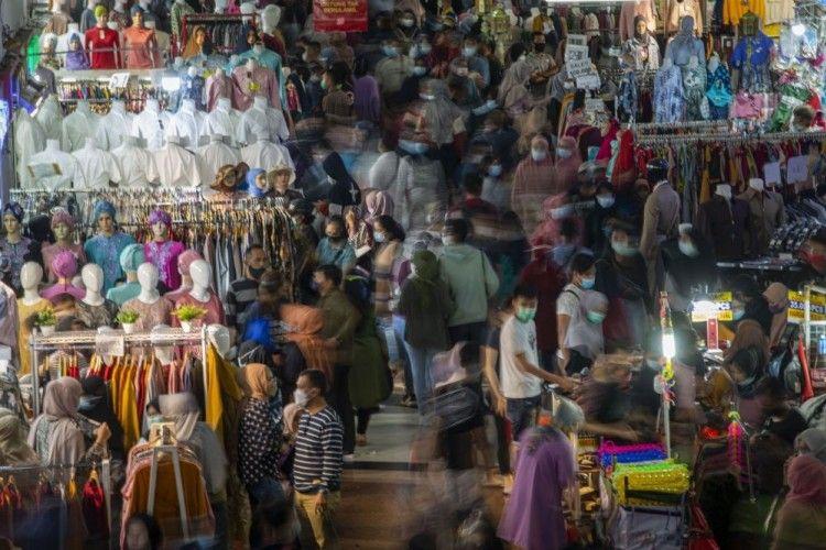 Viral, Ini 7 Potret Pasar Tanah Abang yang Penuh Lautan Manusia