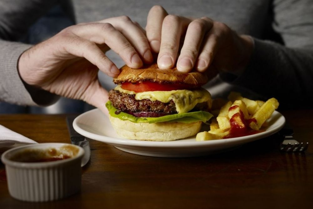 Ternyata Ini 5 Penyebab Diare Saat Puasa, Baiknya Dihindari!