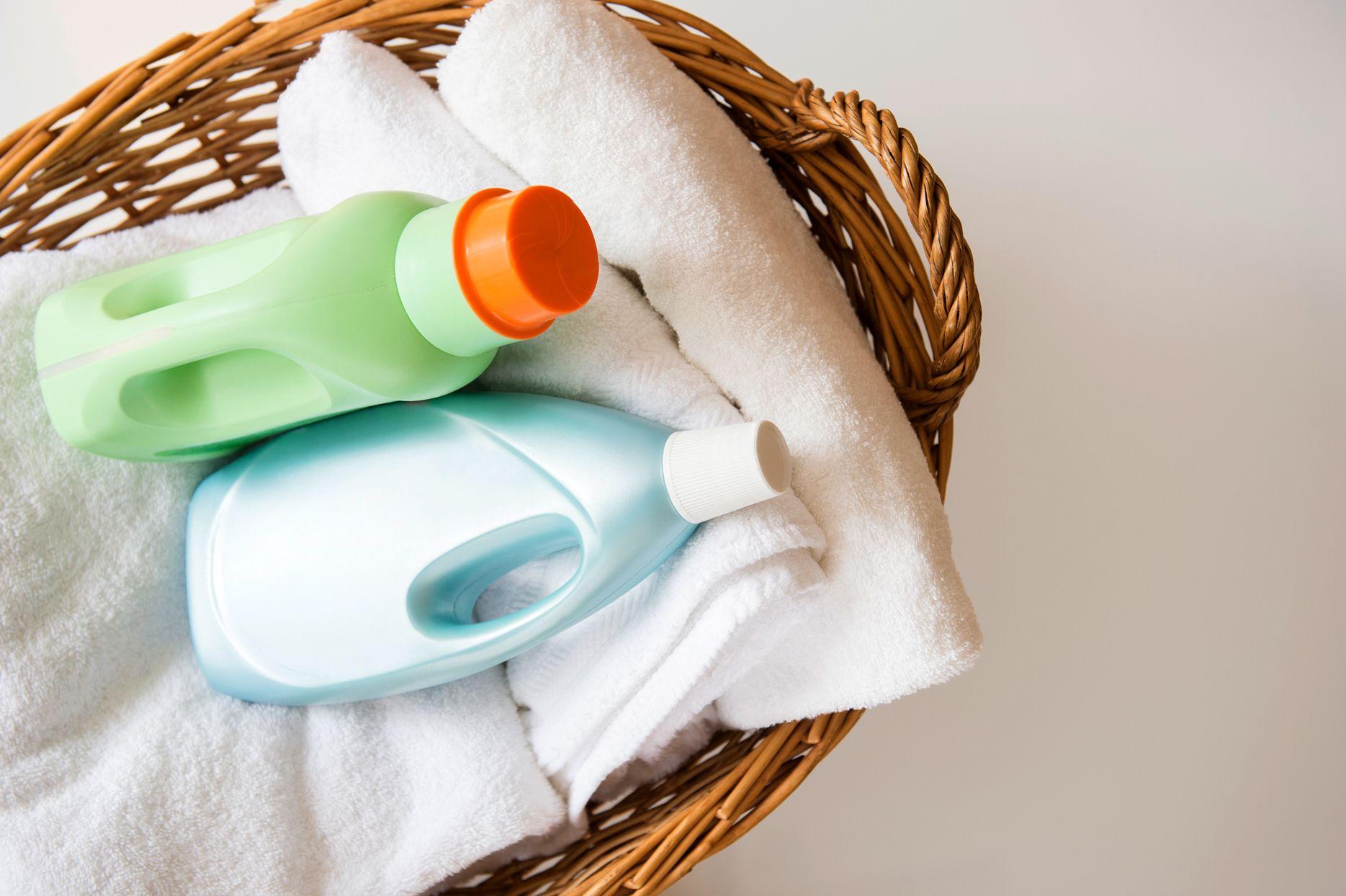 Anti Jamur dan Bau Apek, Begini Cara Merawat Mukena yang Benar