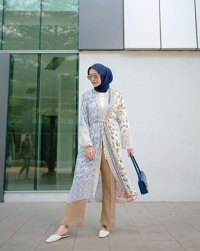Inspirasi Modest Wear untuk Outfit Manis di Idul Fitri