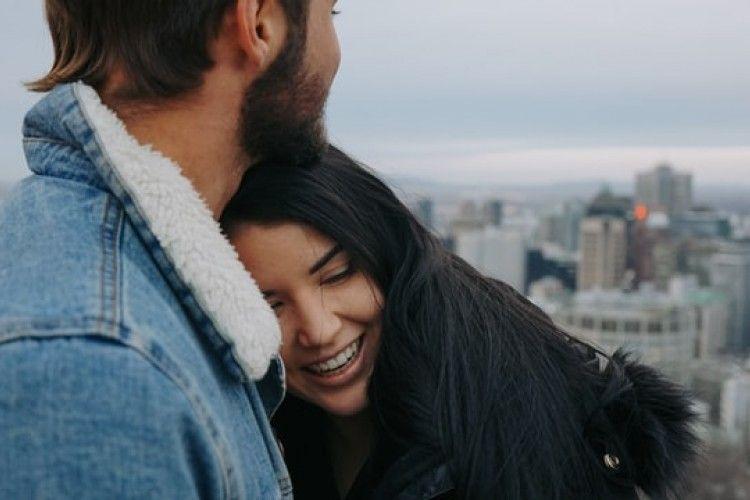 7 Cara Menjadi Pacar yang Suportif dan Membawa Kebahagiaan