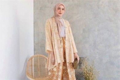 Inspirasi Model Baju Hijab Kekinian Outfit Lebaran 2021