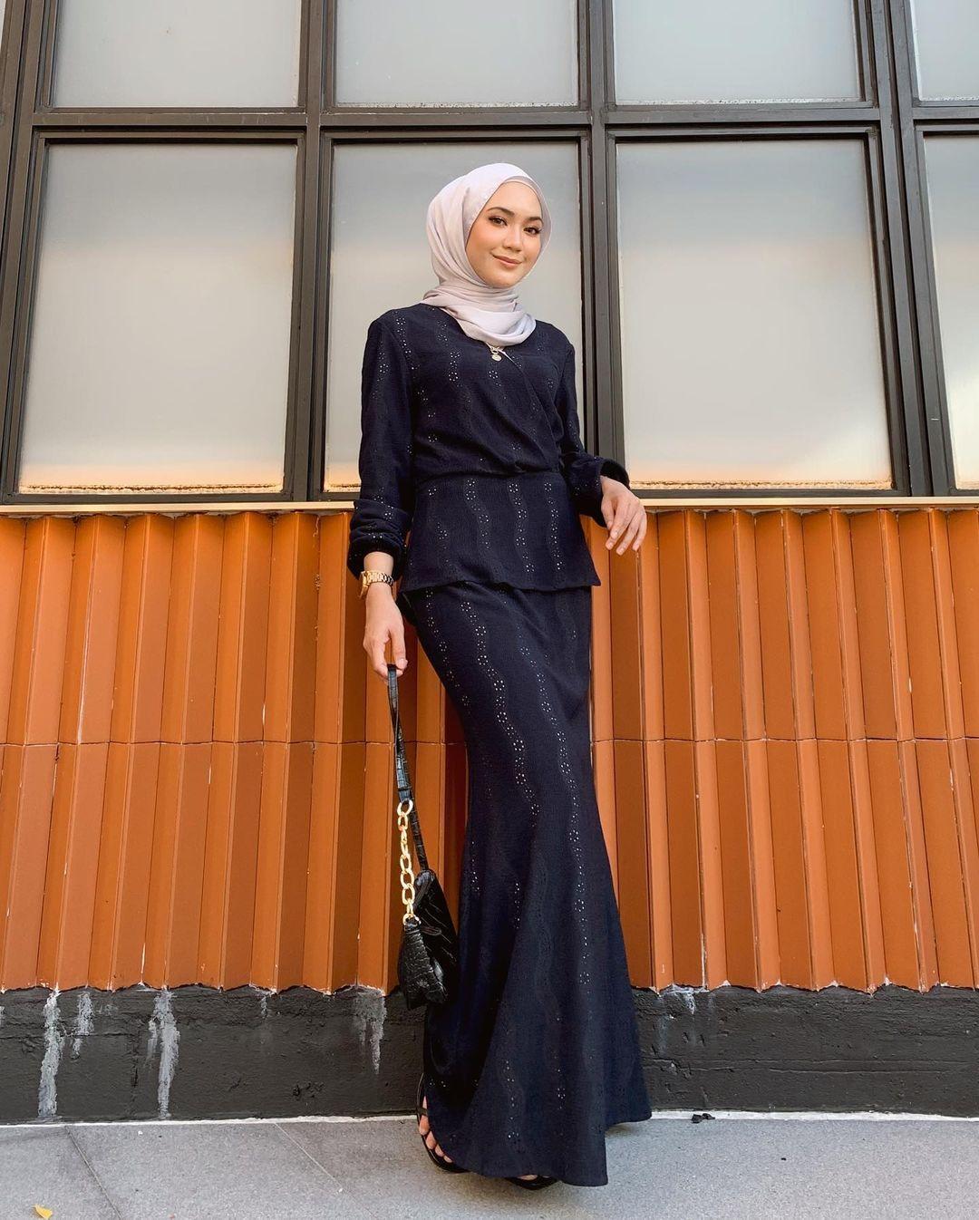 OOTD Feminin di Hari Raya dengan Baju Kurung Modern