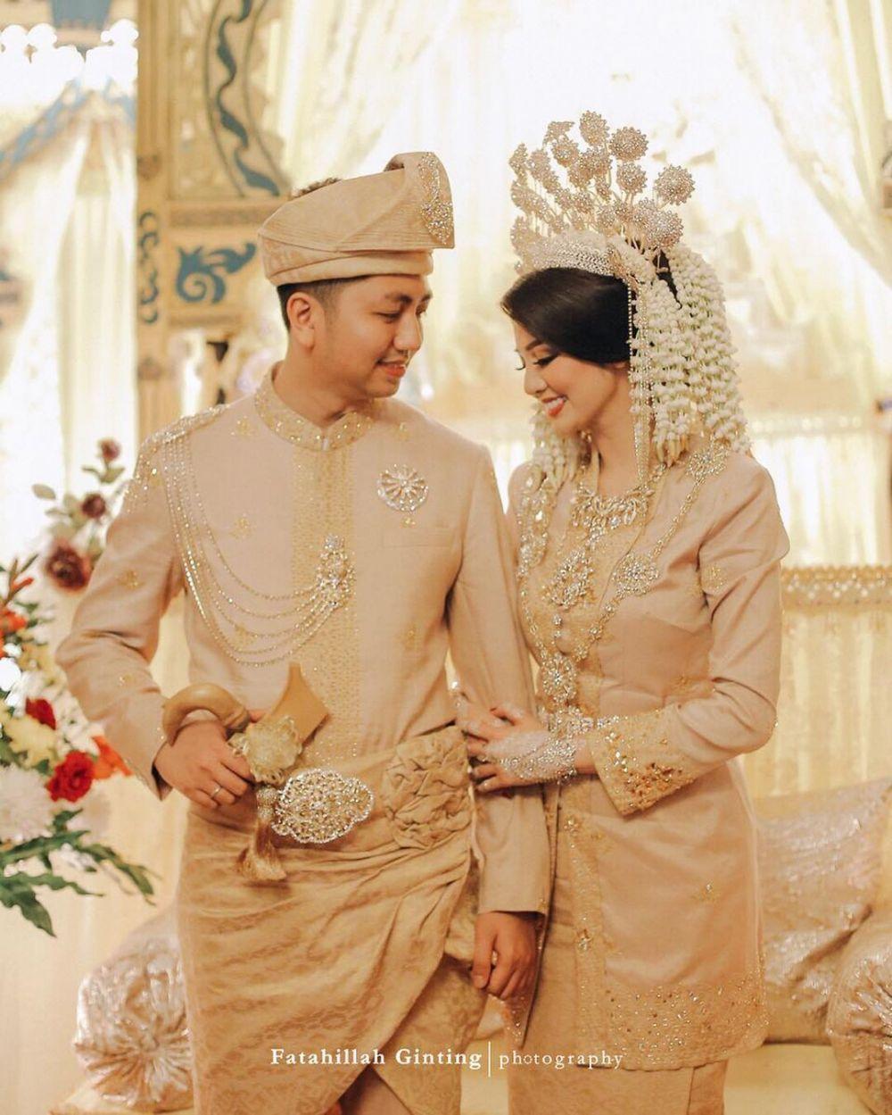 11 Pernikahan Artis yang Mengusung Adat Sumatra, Bak Bangsawan Melayu