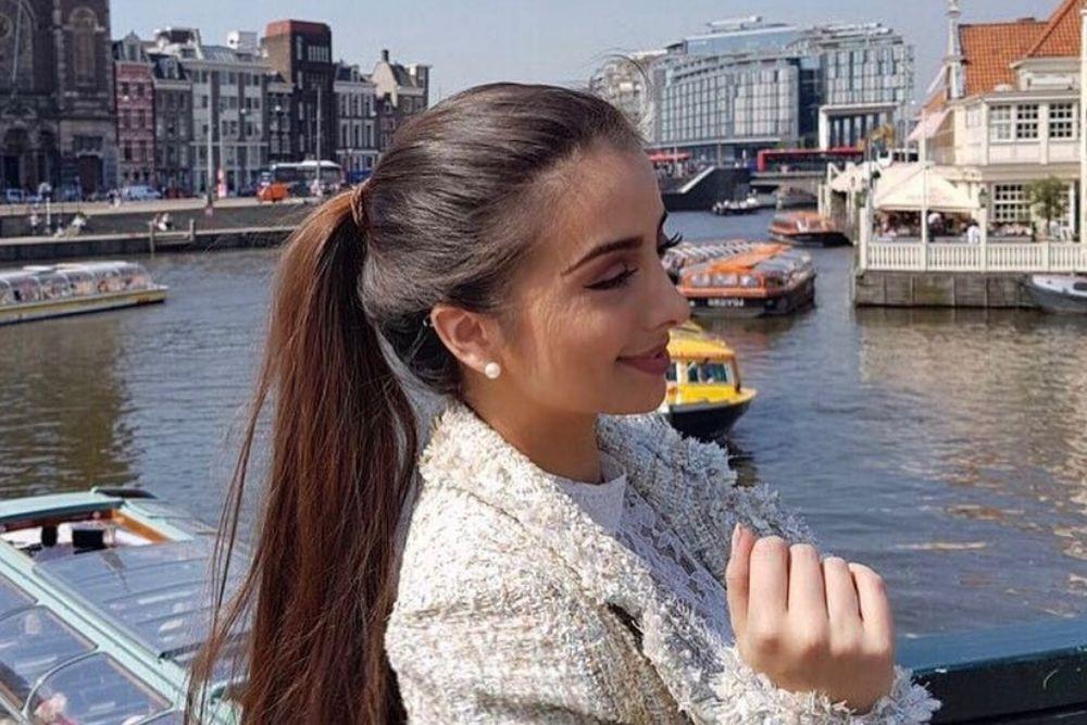Intip 7 Pesona Sarah Samantha yang Dijodohkan dengan Verrel Bramasta