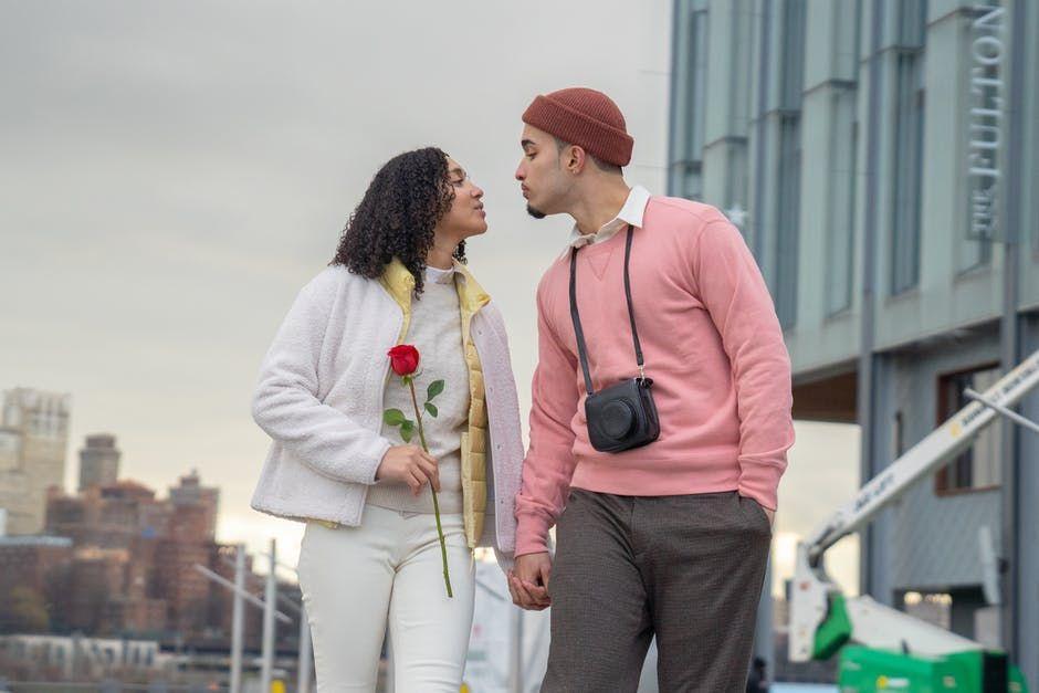 8 Macam Hubungan Cinta yang Punya Tingkatan Hingga ke Jiwa, Penasaran?