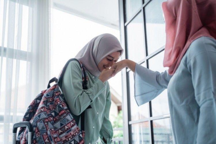 Penuh Ketulusan, Ini 5 Cara Minta Maaf Pada Orangtua di Hari Lebaran