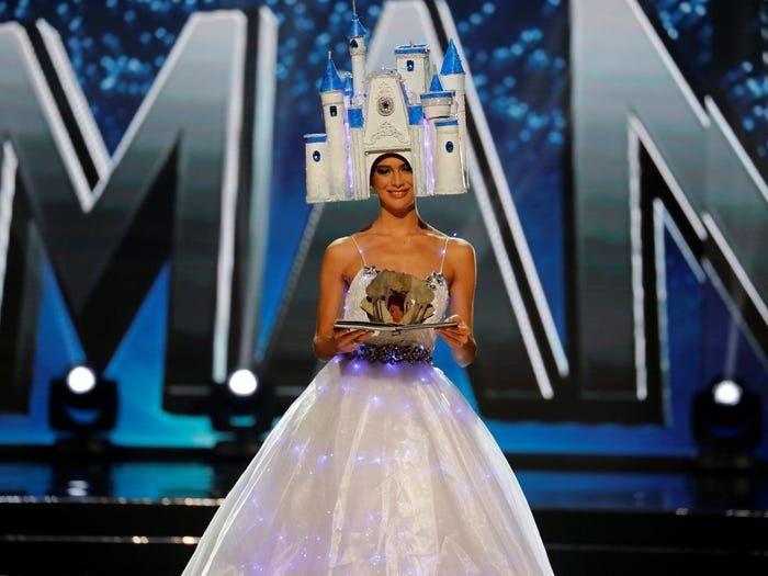 Deretan Kostum Unik Sepanjang Masa di Panggung Miss Universe