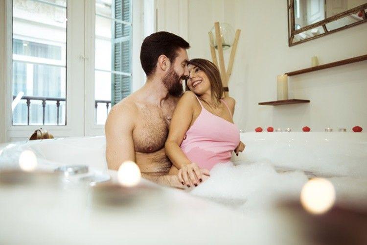 Makin Seksi, Ini 8 Posisi Shower Sex yang Menggairahkan