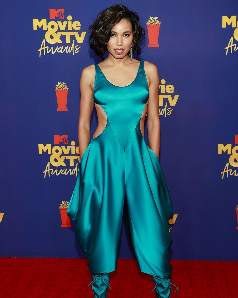 10 Gaya Terbaik Artis di Red Carpet MTV Movie & TV Awards 2021