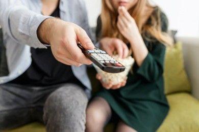 5 Efek Buruk Menonton Film Porno Bersama Pasangan