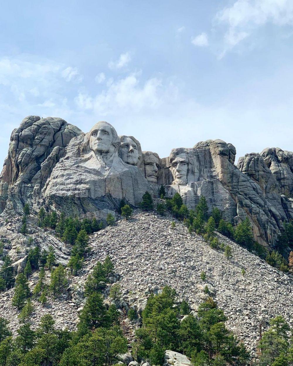 10 Landmark Dunia Paling Kontroversial, Ada yang Dibangun untuk Iblis!
