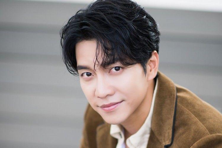 Tinggalkan Hook Entertainment, Lee Seung Gi Mempersiapkan Rencana Baru