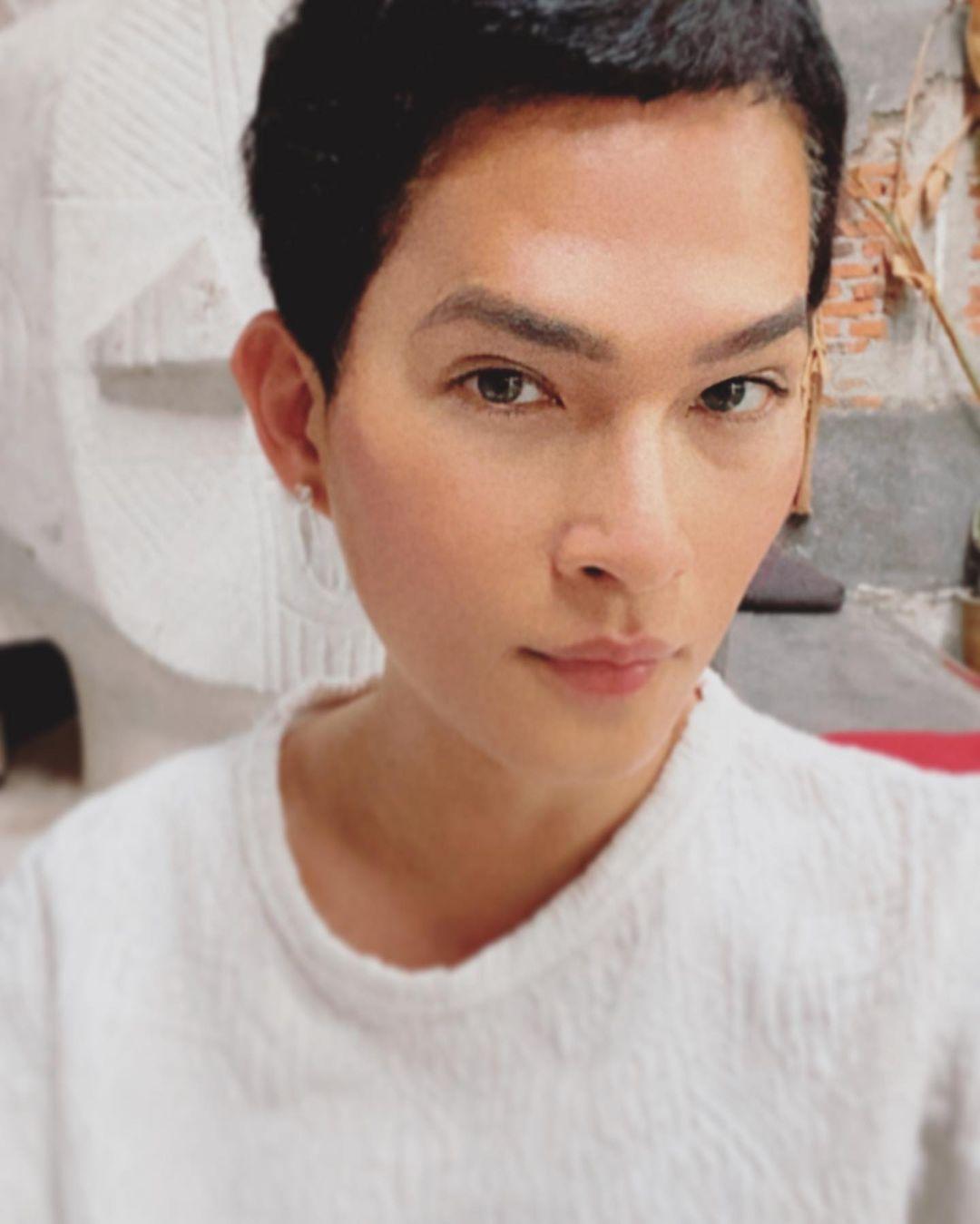 Jujur Banget, 10 Artis Indonesia Terbuka dengan Identitas Gendernya