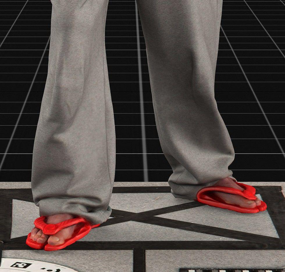 Tren Sandal 2021, No 3 Ada Sandal Jepit!
