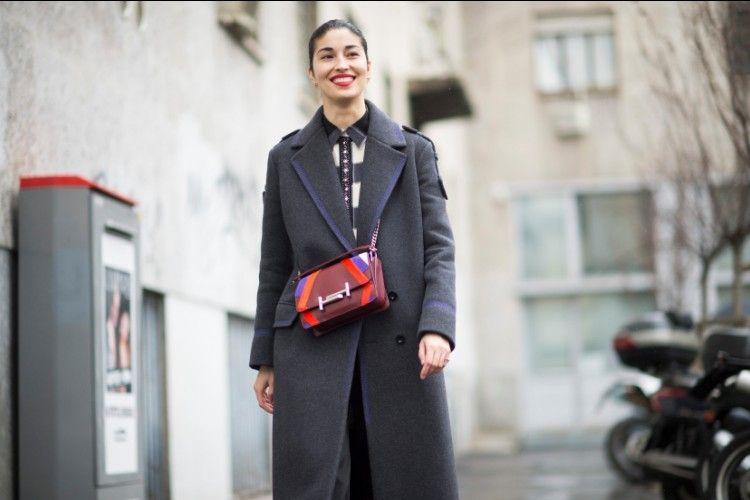 Praktis dan Modis, Intip Tips Padu-padan OOTD dengan Cross Body Bag