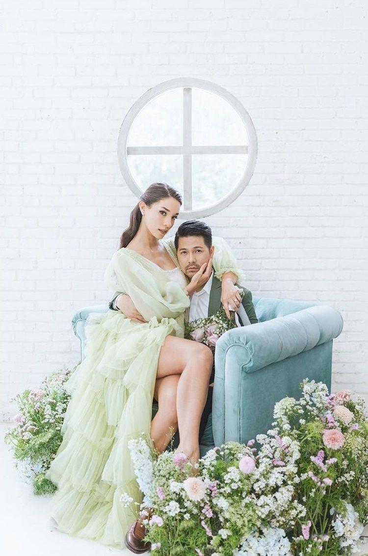 Ciuman Mesra, 10 Potret Pre-Wedding Erick Iskandar dan Vanessa Lima