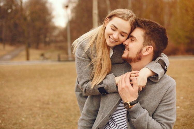 5 Ciri Istri yang Jadi Penentram Hati Suami, Bikin Betah di Rumah