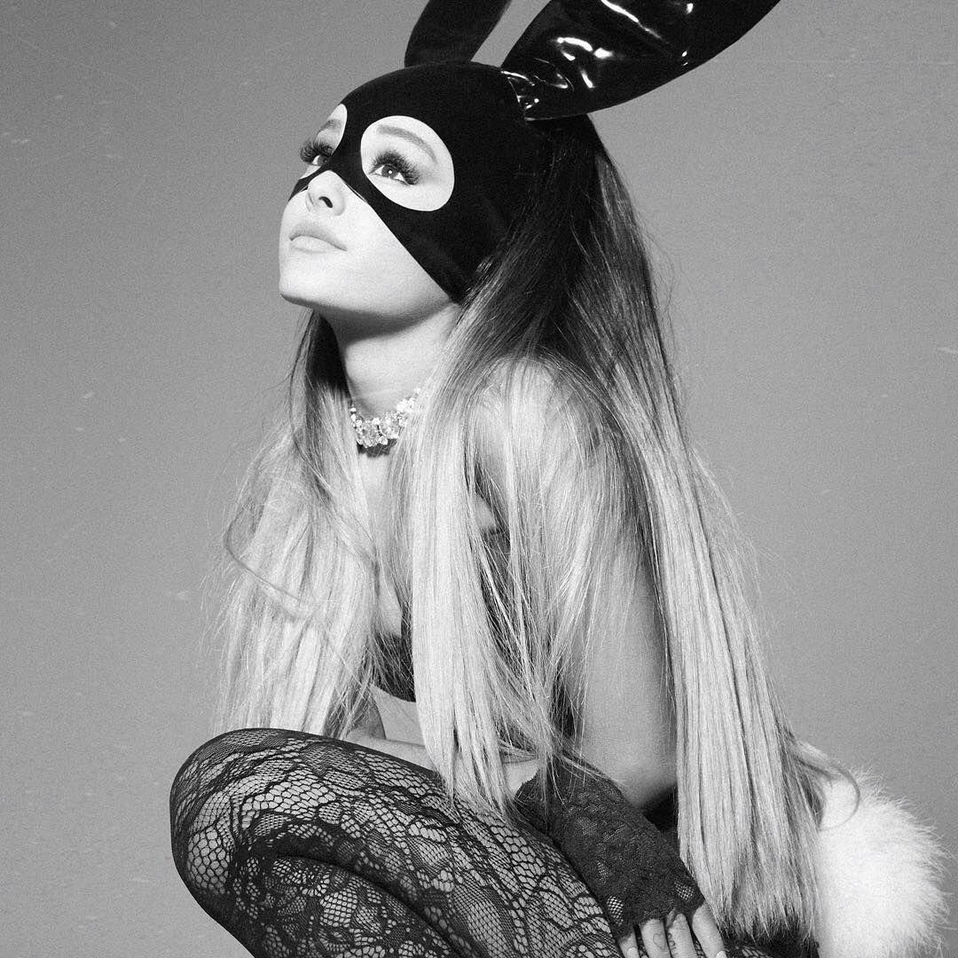 Perubahan Gaya Ariana Grande di Cover Album Dulu hingga Sekarang