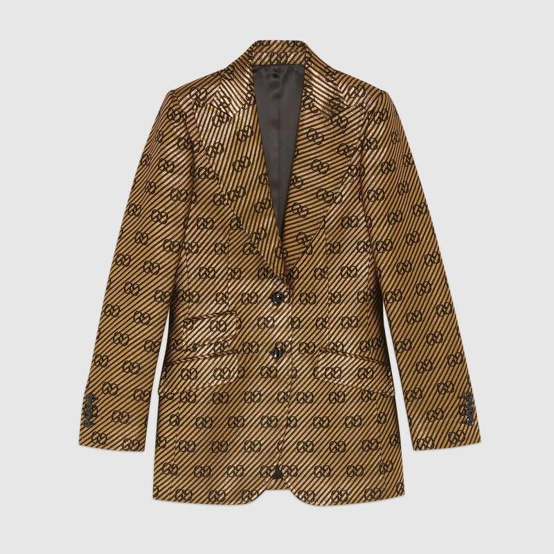 #PopbelaOOTD: Tambah Koleksi Outerwear dengan Blazer Modis