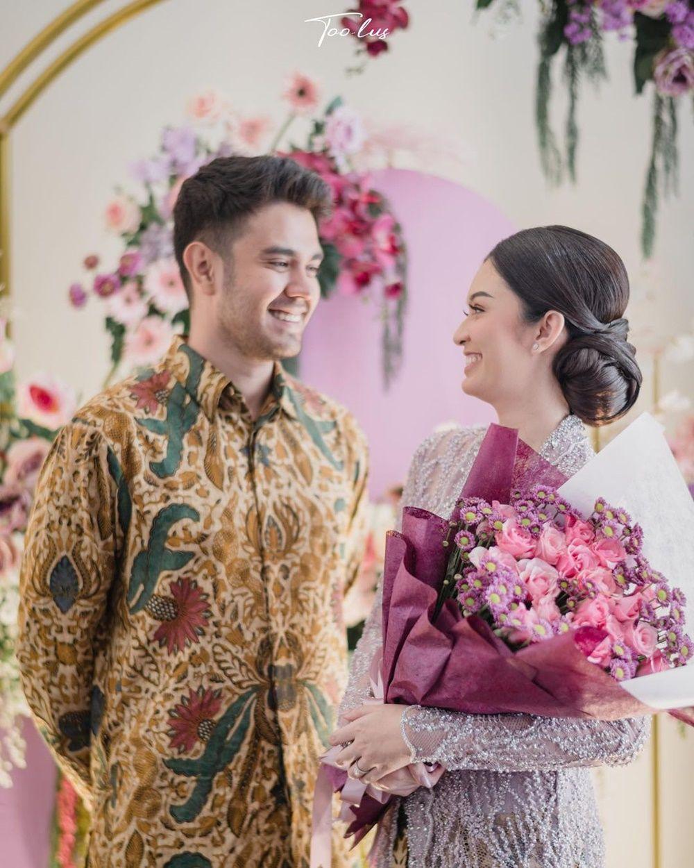 Siap Menikah, Intip Detail Pakaian Lamaran Faradilla Yoshi