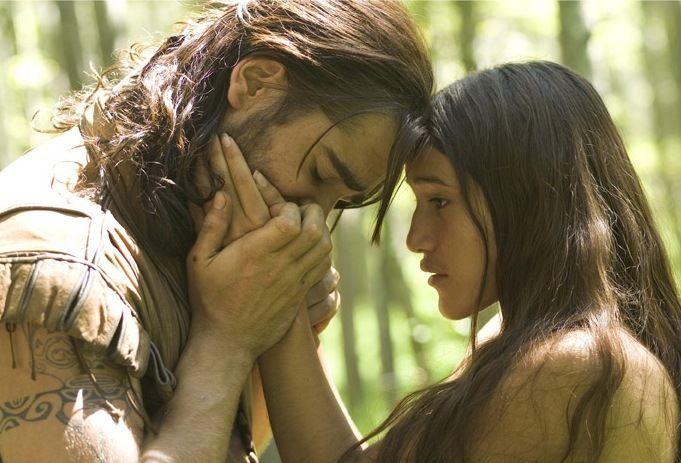 7 Aktris Remaja yang Berani Beradegan Intim dengan Aktor Dewasa
