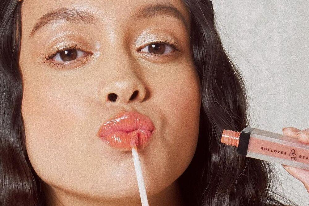 5 Rekomendasi Lipstik Nude, Bikin Tampilan Tambah Manis
