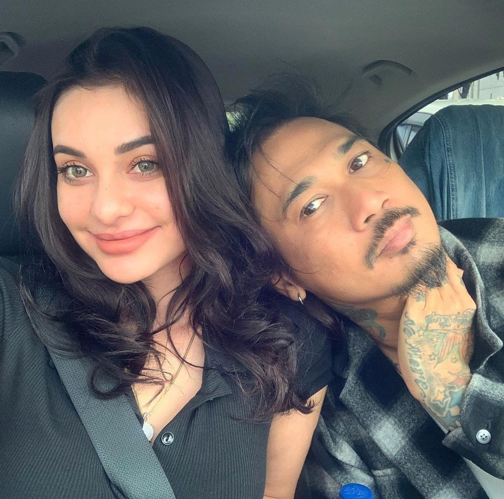 11 Artis Pria yang Jatuh ke Pelukan Wanita Blasteran, Romantis Banget!