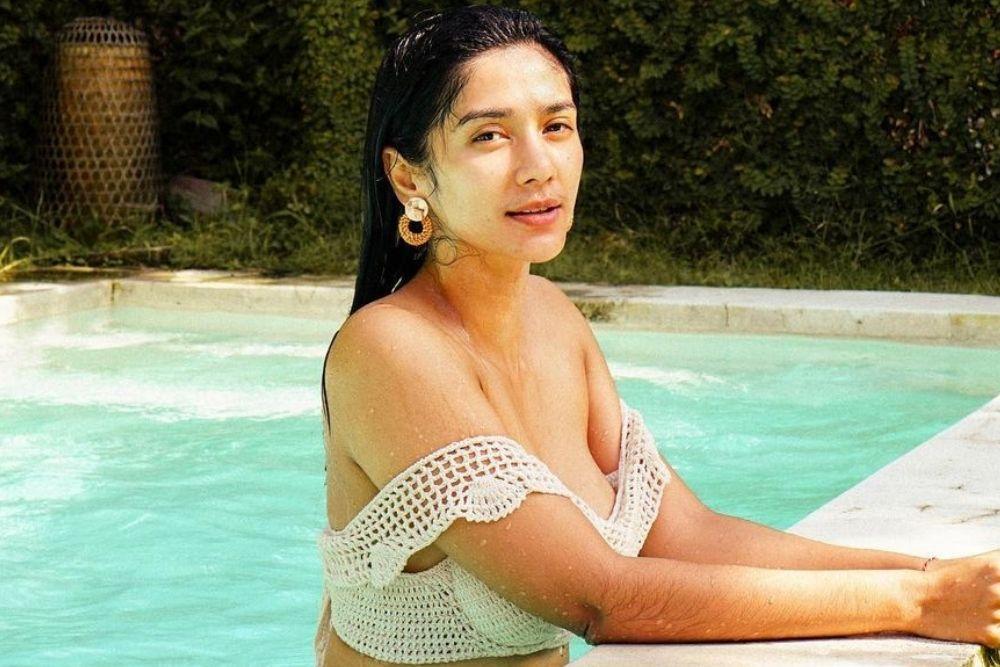 Gaya Seksi Fanny Ghassani, Aktris Sinetron yang Lagi Viral