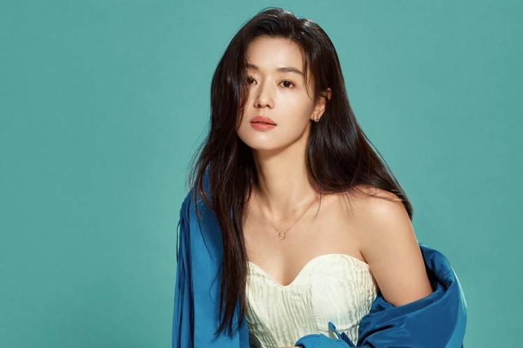 Rumor Diselingkuhi, Ini Bukti Jun Ji Hyun Miliki Gaya 'Mahal' & Elegan