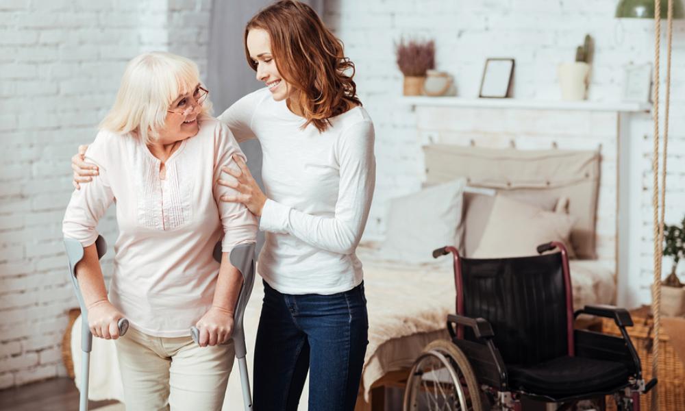 5 Cara Sopan Saat Hadapi Orangtua yang Merasa Selalu Benar