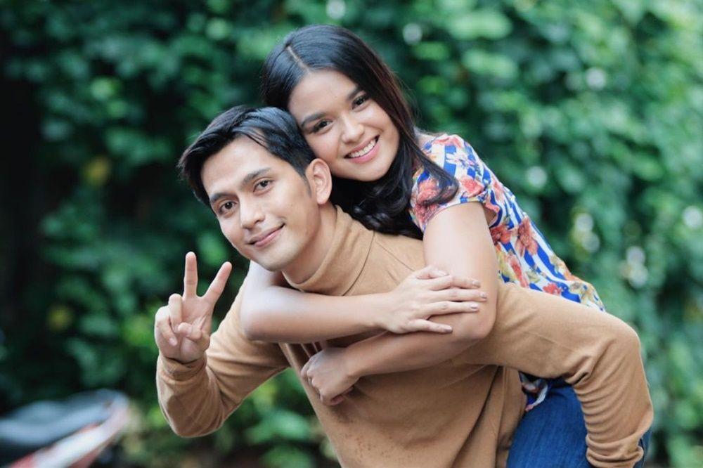9 Potret Mesra Hanna Kirana & Ilyas Bachtiar, Pemeran Suara Hati Istri