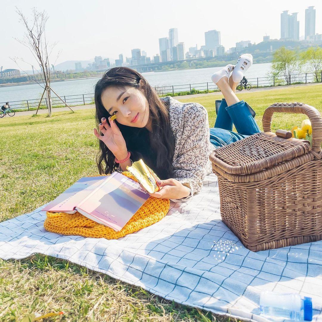 Intip Gaya Imut Chae Soo Bin, Pemeran Da Eun di Film Sweet & Sour