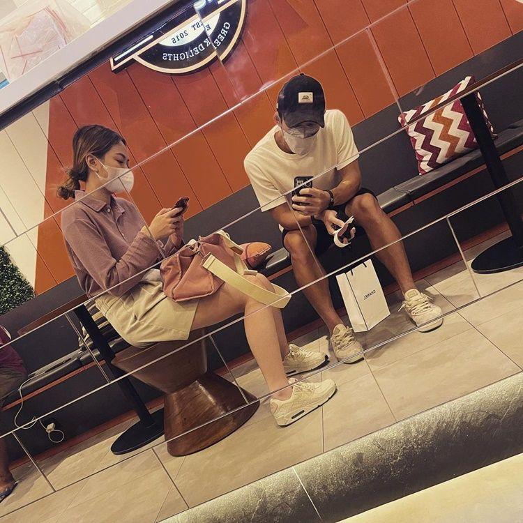 Go Public! 10 Gaya Pacaran Jonatan Christie dan Shanju Eks 'JKT48'