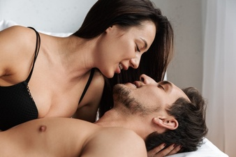 9 Manfaat Berhubungan Seks untuk Suami, Apa Sajakah?