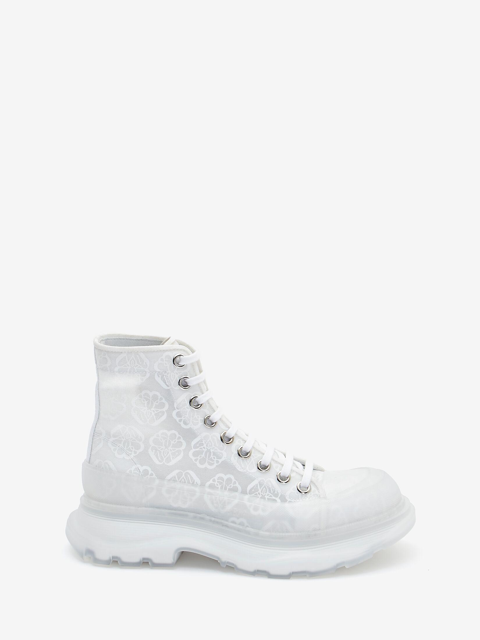 #PopbelaOOTD: Sneakers Putih untuk Gaya Weekend Makin Fashionable